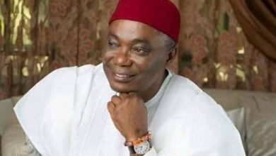 Photo of SENATOR PETER NWOBOSHI AND THE PARANOIC SYNDROME OF APC POLITICAL REFUGE: A Metaphor of Clean Water in a Leprous Hand